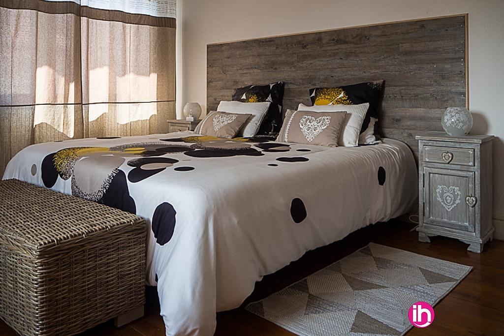Chambre 1 : Lit kingsize ou possibilité de préparer deux lits simples