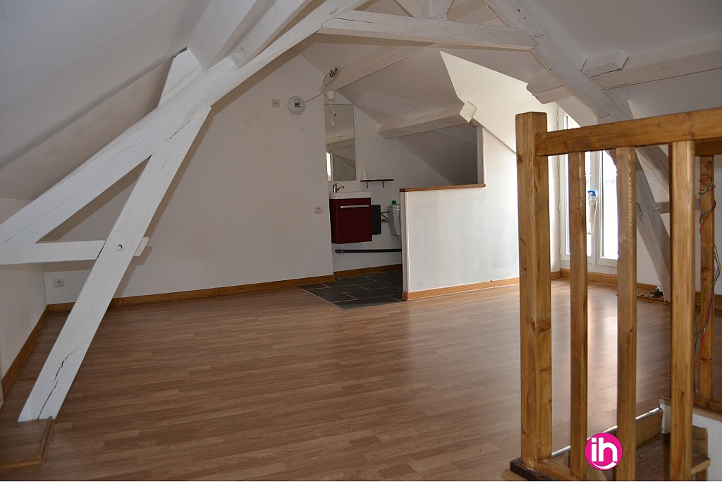 2ième étage: Chambre + WC