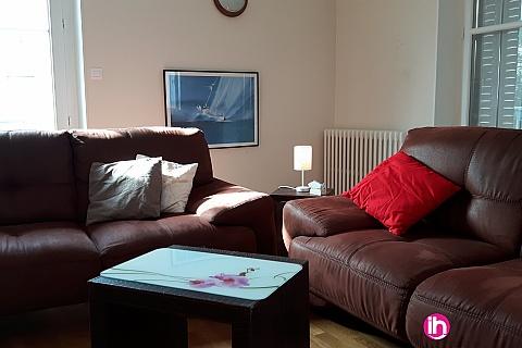 Location de meublé : DAMPIERRE BELLEVILLE, TRES BEL APPARTEMENT DUPLEX T4 , GIEN PLEIN COEUR VILLE