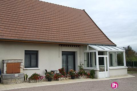 Location de meublé : BOULLERET Belle maison 3CH entièrement rénovée sur terrain arboré