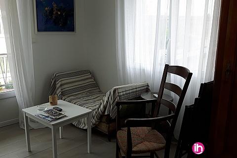 Location pour salarié en déplacement de meublé : OLERON ROCHEFORT,  charmant studio en plein cœur de ville, Le Château d'Oleron