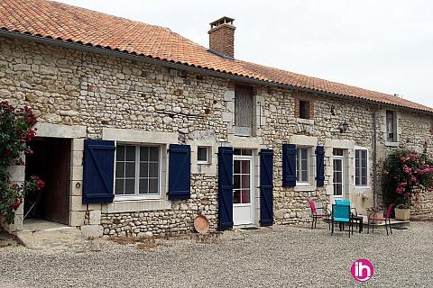 Location pour salarié en déplacement de meublé : CIVAUX Petite maison à la ferme à côté de Montmorillon