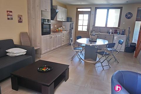 Location de meublé : LA CHARITE SUR LOIRE Maison centre ville, 3 chambres. BELLEVILLE