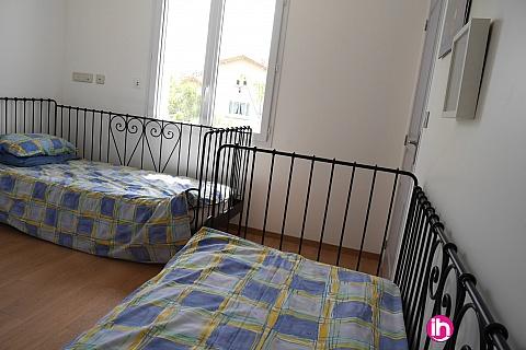 Location de meublé : New bungalow in quiet residential area