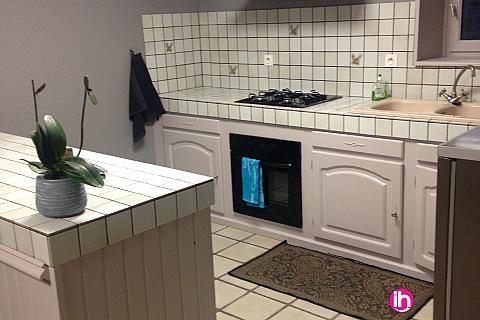 Location de meublé : BERNEUIL Maison 4 Chambres avec Salle d'eau individuelles