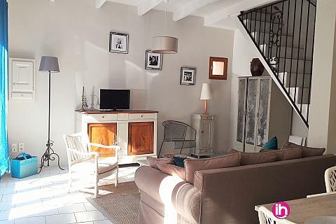 Location de meublé : Tricastin Maison de ville de 80M²  pour 2 à 3 personnes à Bollène