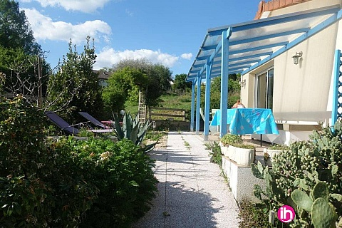 Location pour salarié en déplacement de meublé : LE PALAIS SUR VIENNE : Villa bleue à 6km de Limoges