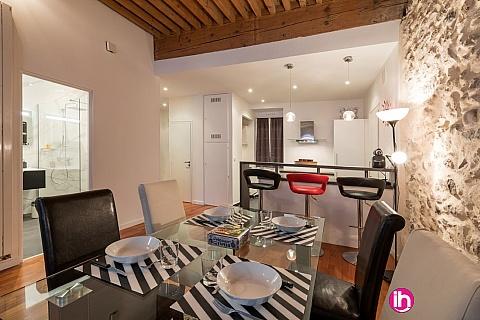 Location de meublé : ANNECY, Appartement moderne et design au coeur du vieil Annecy