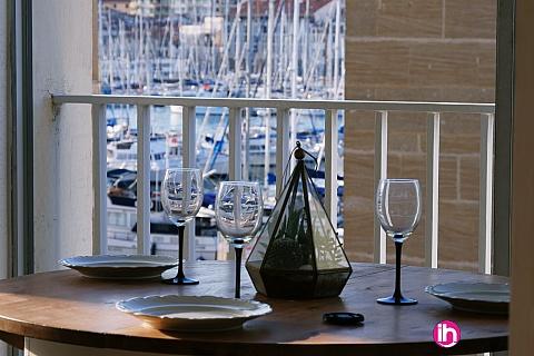Location pour salarié en déplacement de meublé : MARSEIILLE, T3 72M2 refait à neuf, vue vieux port, Lumineux