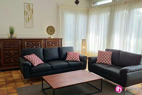 Location pour salarié en déplacement de meublé : CIVAUX, Maison Type 5 au calme à 3mn du centre et des commerces