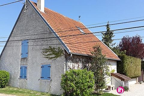Location de meublé : A 20 km centre Dijon maison de village meublée 100 m2