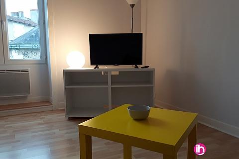 Location pour salarié en déplacement de meublé : CIVAUX MONTMORILLON Studio meublé spacieux et clair en plein coeur de la cité de l'écrit à moins de 20 min de Civaux