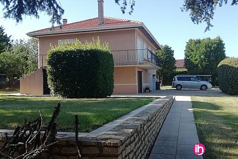 Location de meublé : Vienne Bel Appartement de 100 M2 au 1er étage d'une maison avec Parc à Chonas L'Amballan