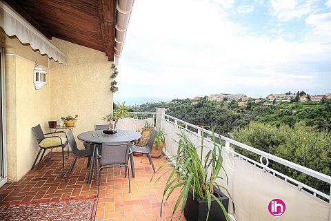 Location de meublé : NICE, Vue sur Mer, 4 pièces sur les collines de Nice