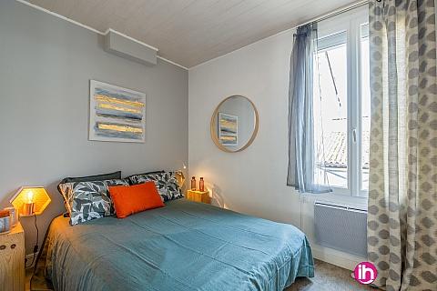 Location pour salarié en déplacement de meublé : LIBOURNE-BORDEAUX, Jolie petite maison hyper centre avec jardinet,LIBOURNE