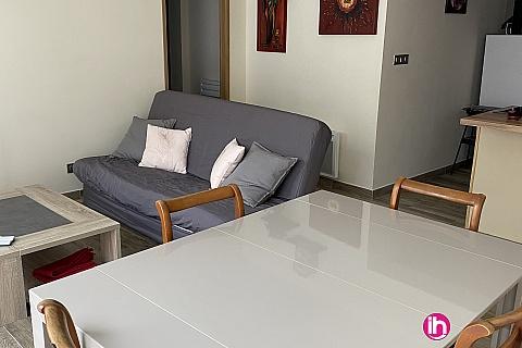 Location de meublé : BUGEY, Bel appartement au cœur de Crémieu en rez de chaussée