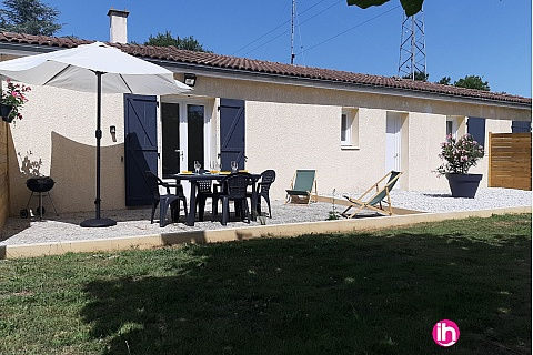 Location de meublé : BLAYAIS, appartement 3 étoiles de plain-pied avec terrasse JONZAC