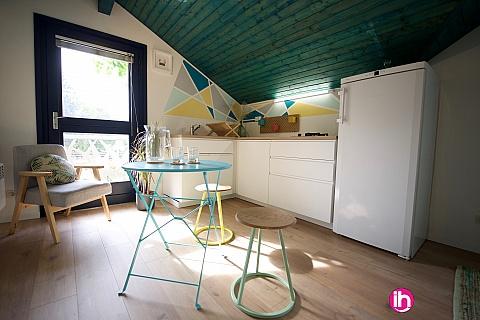 Location de meublé : BUGEY, Belle dépendance avec piscine, Crémieu