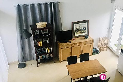 Location de meublé : AIX EN PROVENCE Studio indépendant à Saint Cannat