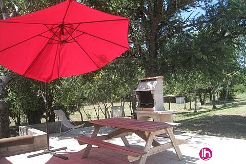 """Location de meublé : AIX EN PROVENCE Gite """"La Cabre"""" dans propriété Agricole à Mallemort"""