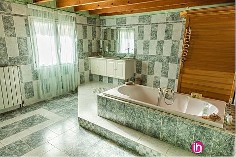 Location de meublé : CIVAUX CHAUVIGNY Chambre Clématite tout confort 2 personnnes
