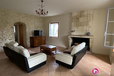Location de meublé : BLAYAIS, maison spacieuse 4 chambres, ST SEURIN DE CURSAC