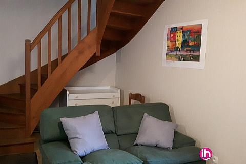 Location de meublé : CHINON Maison indépendante avec extérieur 2 chambres Beaumont en véron