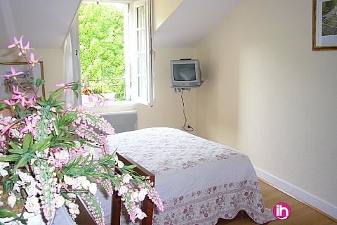 Location de meublé : Appartement dans maison principale 2 chambres en centre ville de Chinon