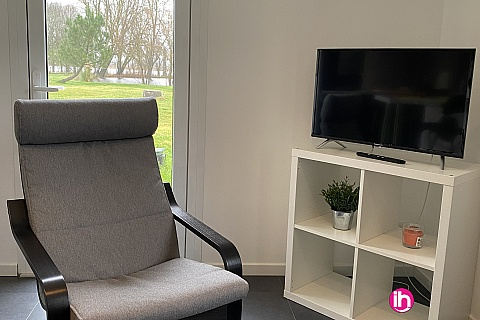 Location pour salarié en déplacement de meublé : BLAYAIS, grand studio 19 mn de la centrale ,ANGLADE