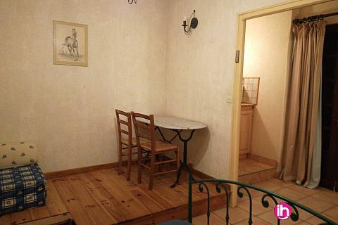 Location de meublé : CIVAUX : Studio meublé à 13 km de Civaux, Indépendant , tout Equipé,
