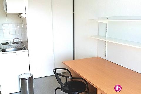 Location de meublé : STUDIO dans le quartier de BELLEVUE