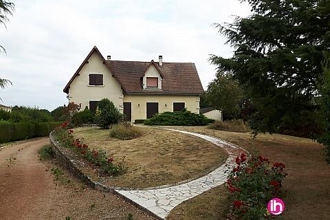Location de meublé : CIVAUX Maison de 5 chambres individuelles et un studio à Montmorillon