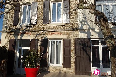 Location de meublé : Chambre d'hôtes dans belle et grande maison avec jardin et parking