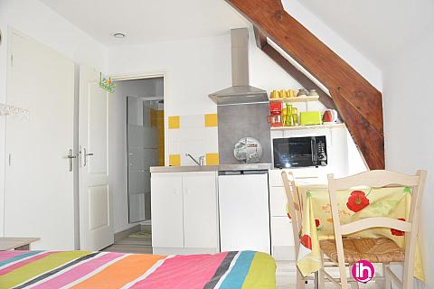 Location pour salarié en déplacement de meublé : BRIVE LA GAILLARDE studio jaune CUREMONTE