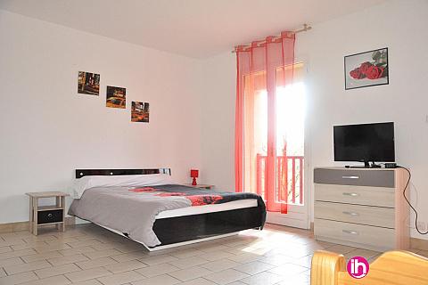 Location de meublé : BRIVE LA GAILLARDE Studio rouge CUREMONTE