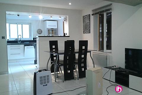 Location pour salarié en déplacement de meublé : DAMPIERRE Maison meublée 2 chambres 70m2 a 5 mm de Dampierre