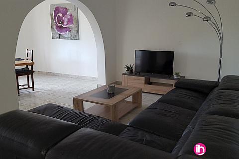 """Location de meublé : TRICASTIN Gîte Meublé T3 """"Le Couchant"""" tout équipé 80 m² à GRAS"""