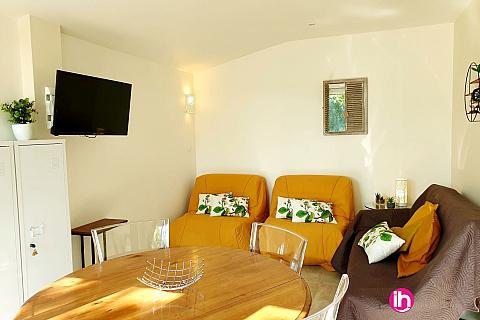 Location de meublé : BLAYAIS, petite maison indépendante avec un jardin ouvert et clim, SAINT-PAUL