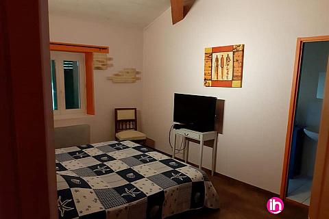 Location de meublé : MONT DE MARSAN, Grand Gite AUX 2 TREFLES , Benquet