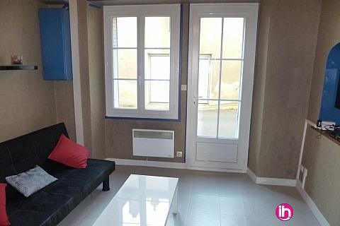 Location pour salarié en déplacement de meublé : CIVAUX MAISON DE BOURG 2 A 6 COUCHAGES  A VERRIERES