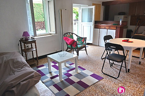 Location de meublé : BELLEVILLE/CHATILLON SUR LOIRE petite maison F2 pour 1 personne à 5km de Belleville