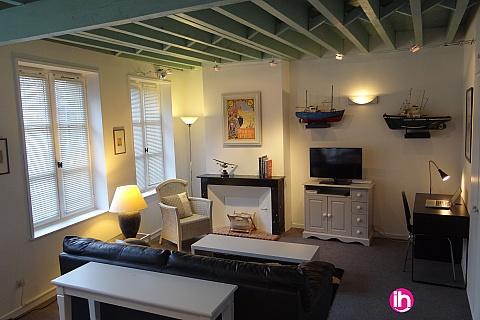 Location de meublé : HONFLEUR Appartement au coeur du quartier historique avec vue sur Clocher Sainte Catherine