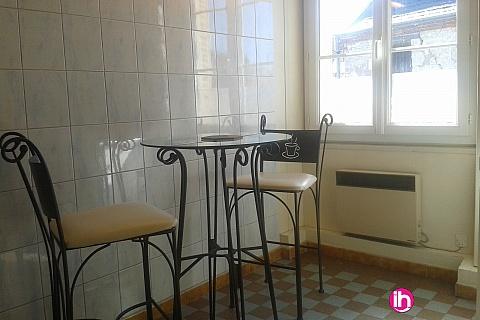 Location pour salarié en déplacement de meublé : DAMPIERRE spacieux T1 prés du château de GIEN 45