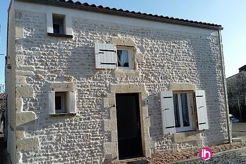 Location pour salarié en déplacement de meublé : La Rochelle Maison de  6-8 places JACUZZI  Surgères, Saintes