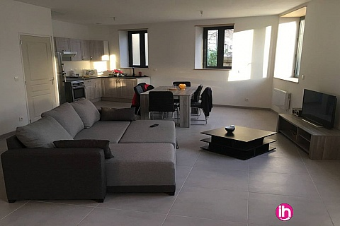 Location pour salarié en déplacement de meublé : Saint Alban, Beau duplex neuf , Roisey, Vienne