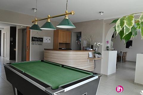 Location pour salarié en déplacement de meublé : CIVAUX MOINS DE 7 KM EN DEMIE PENSION (4 NUITS) Chambre 2 à 4 personnes
