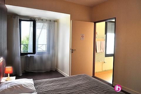 Location de meublé : CIVAUX A MOINS DE 7KM EN DEMIE PENSION (4 NUITS) Chambre 1 à 2 personnes