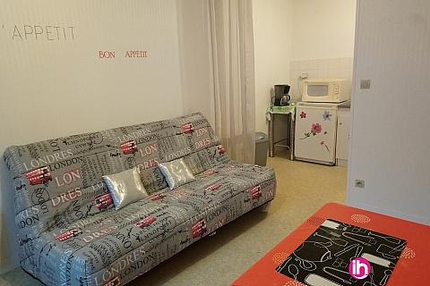Location pour salarié en déplacement de meublé : DAMPIERRE STUDIO SUR LA PLACE DE LA VICTOIRE
