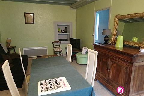 Location de meublé : DAMPIERRE MAISON DE TYPE T3