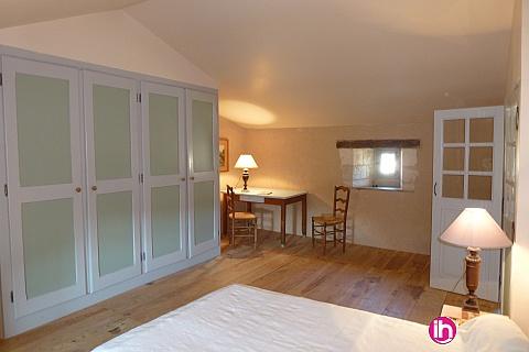 Location pour salarié en déplacement de meublé : CIVAUX Maison Georges située à La Thibaudière ( lieu-dit) à 3 km de Tercé, 10 km de Civaux et Chauvigny et 18 km de l'entrée de Poitiers